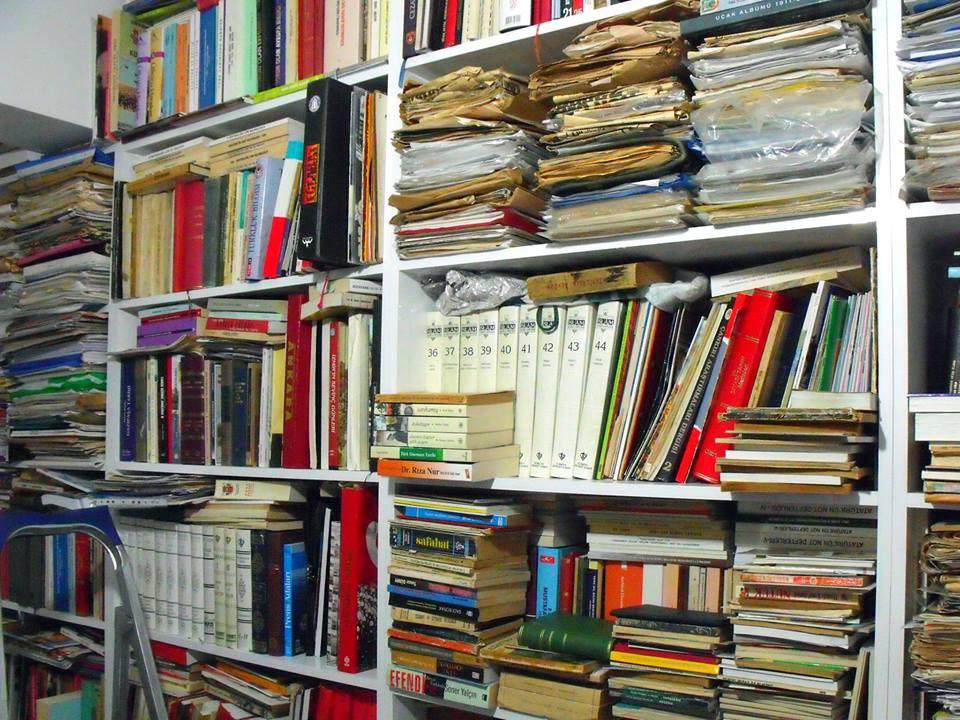 Dr.Suat Akgül Çalışma Kütüphanesi