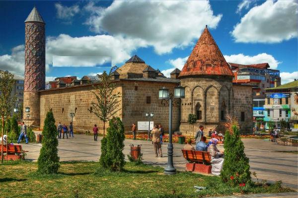 Erzurum Yakutiye Medresesi Tarihi