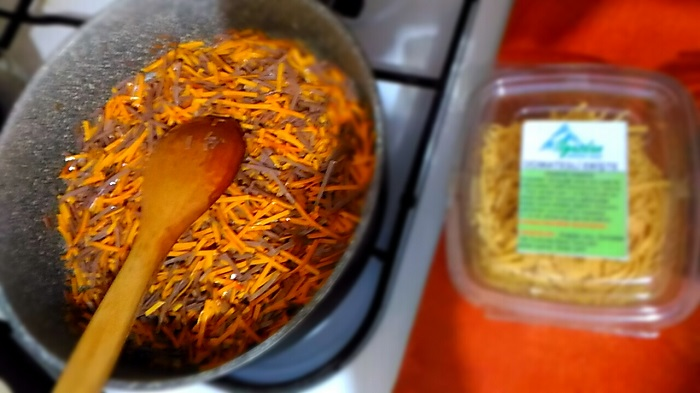 Kırmızı Biberli Erişte Nasıl Pişirilir