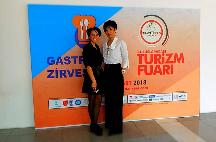 Mine Ataman 3.Travel Expo Ankara Turizm fuarında